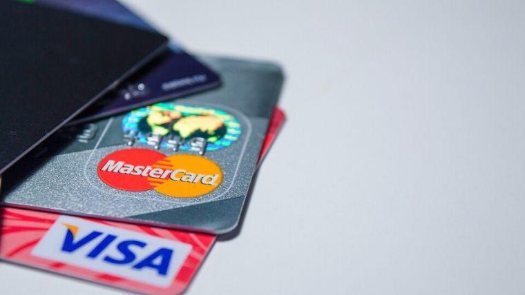 マイプロテインはクレジットカードで支払うべき